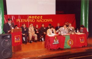 O Secretário Geral apresentou o relatório de Actividades de 2001