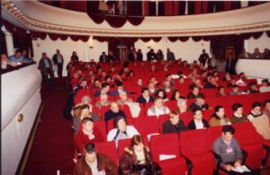 Uma plateia interessada nos temas em discussão...
