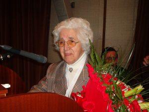 Uma homenagem a Vitória Pinheiro e através dela a todos aqueles e aquelas que se bateram pela criação do Sindicato e o construiram - Comemorávamos também os 30 Anos do SNTCT!