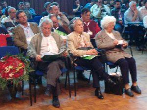 À frente, junto a Vitória Pinheiro, outra figura dos primórdios do SNTCT, o Carlos Madruga...